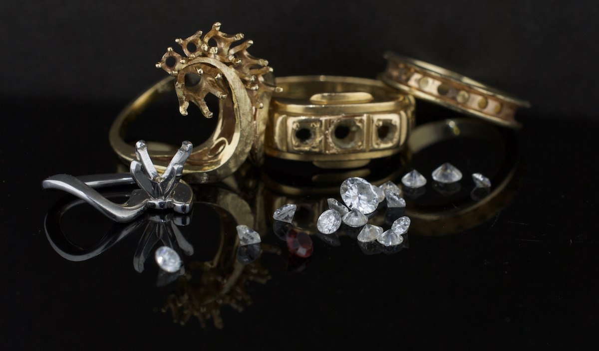 Trendy Engagement Rings You Need to Avoid