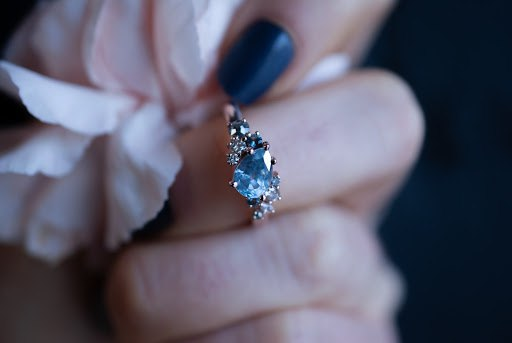Sapphire Engagement Rings: Meaning, Durability, and Types